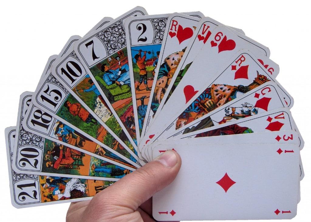 Tarots_cards_deal_whitebg