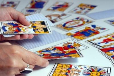 cartomancie interpréter soi même les cartes de tarot de marseille