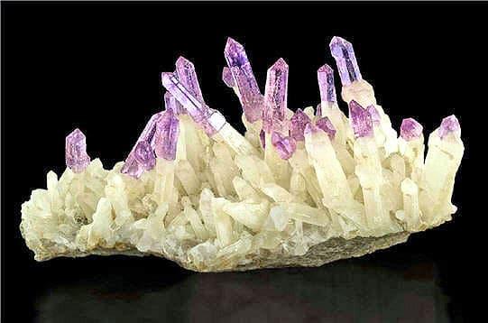 574488-piquants-de-quartz