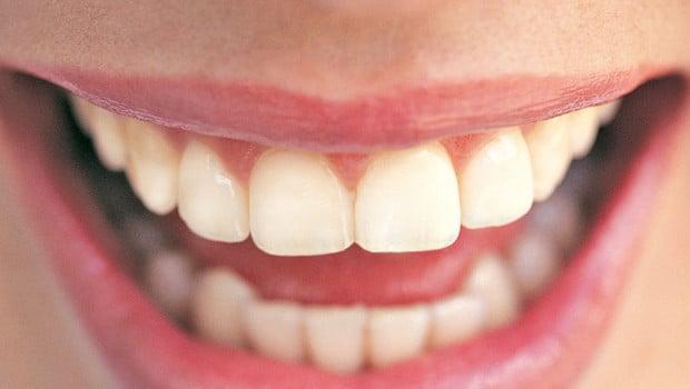 surveiller-ses-dents-pendant-la-grossesse-10902912xkoww_1713