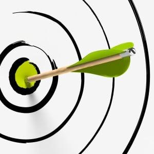 cible et flèche au centre - succès, stratégie et précision