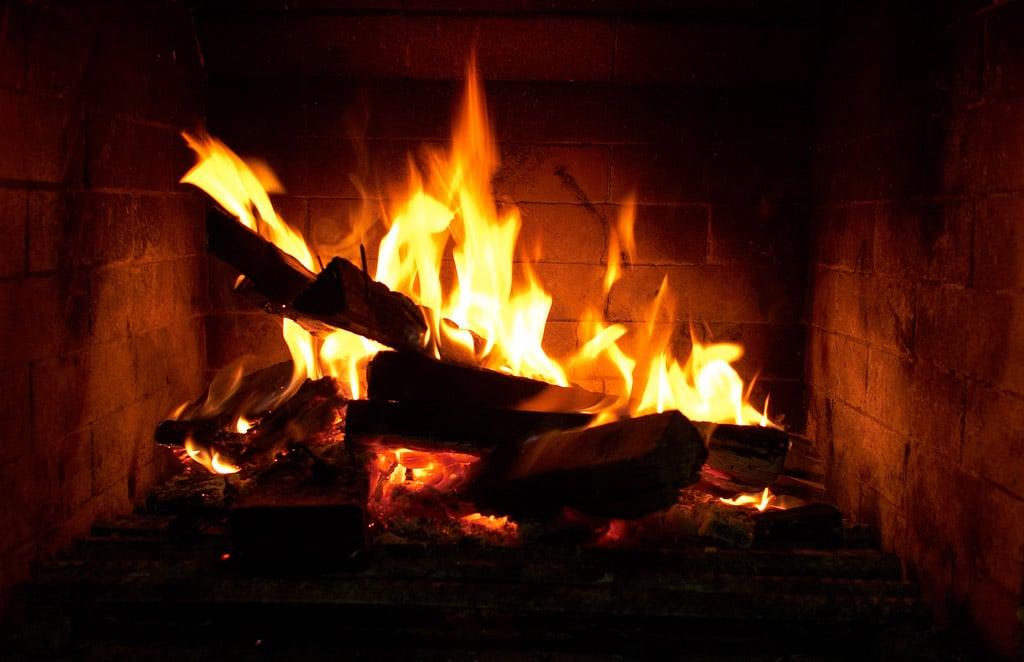 Joyeux no l divinatix - Allumer un feu de cheminee ...