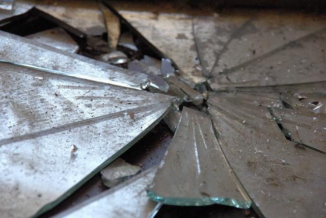 miroir brisé superstition