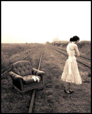 abandon-lonely-alone-rail-31000