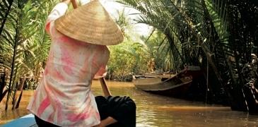 Transport by river,Vietnam_7204_3