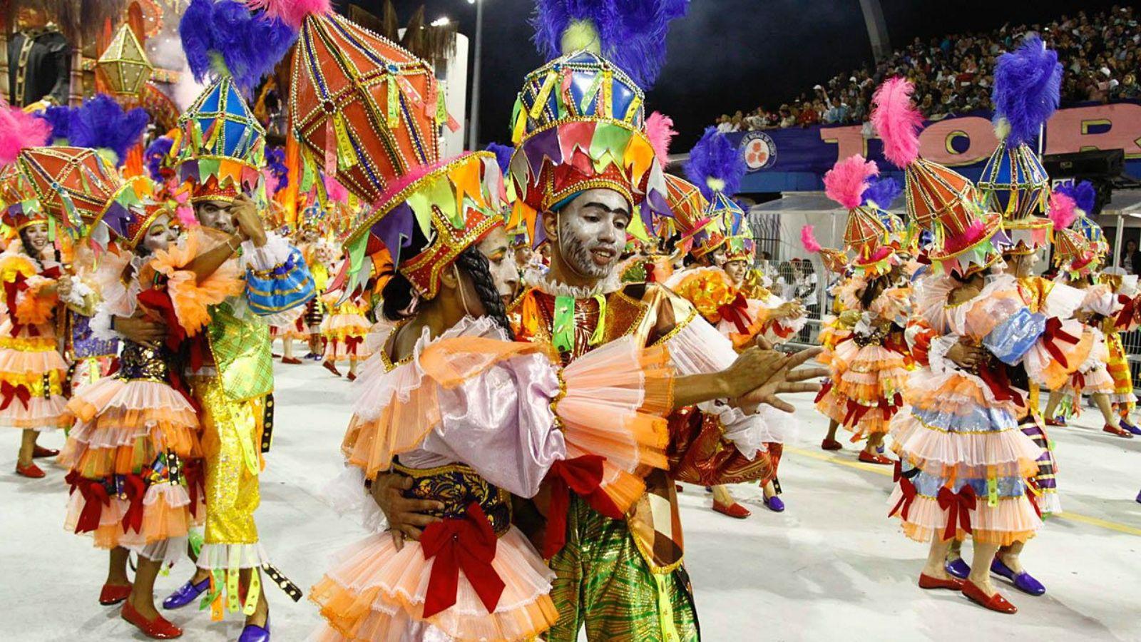 pourquoi se déguiser au carnaval