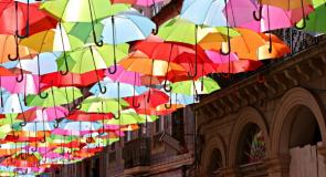 Pourquoi un parapluie ouvert dans une maison porte malheur ?