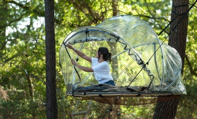 tente-bulle-dans-les-arbres