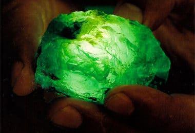 pierres précieuses et planètes