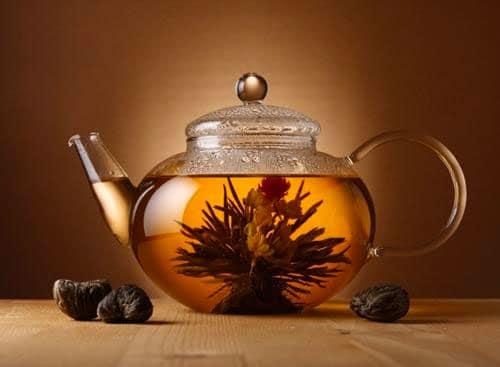 comment lire dans le thé